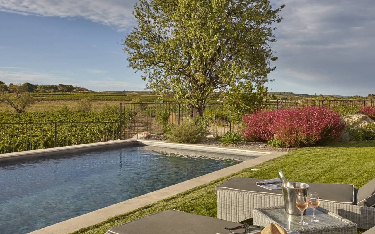 Garden with pool, best Languedoc wines, Domaine & Demeure Events