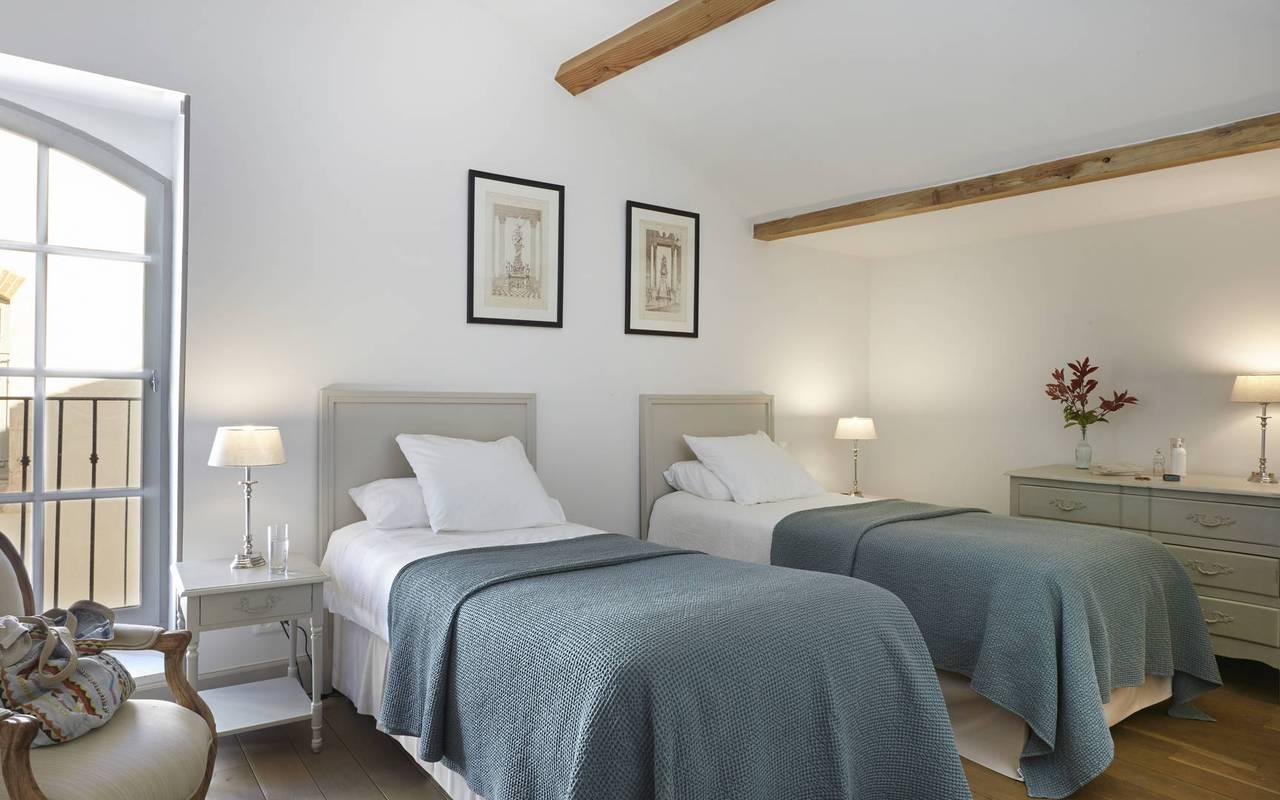 Room with twin beds, team building near Montpellier, Château St Pierre de Serjac.