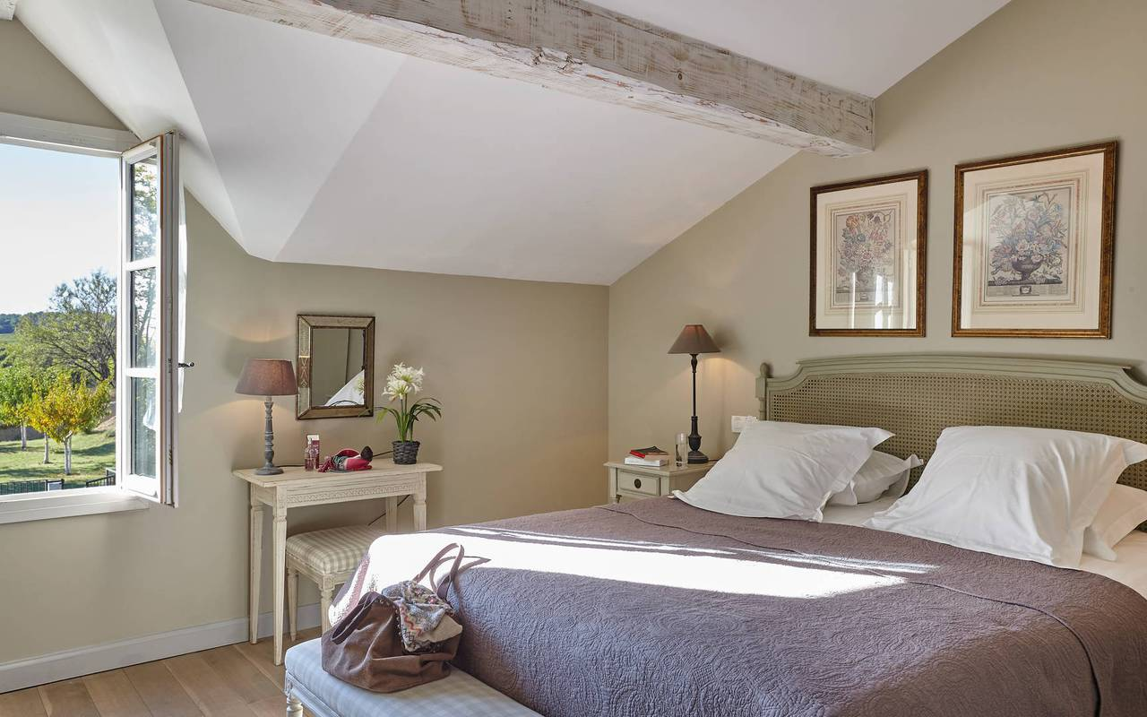 Charming bedroom, conference Montpellier, Domaine & Demeure Events.