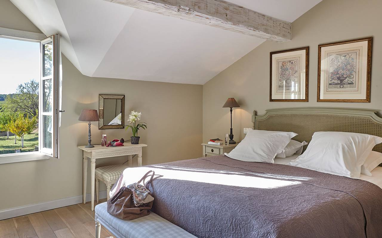 Bright bedroom in private house, meeting Toulouse, Château Les Carrasses.