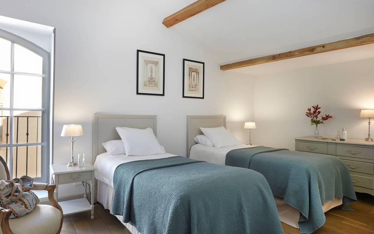Chambre avec lits jumeaux, hôtel séminaire Montpellier, Domaine & Demeure Events.