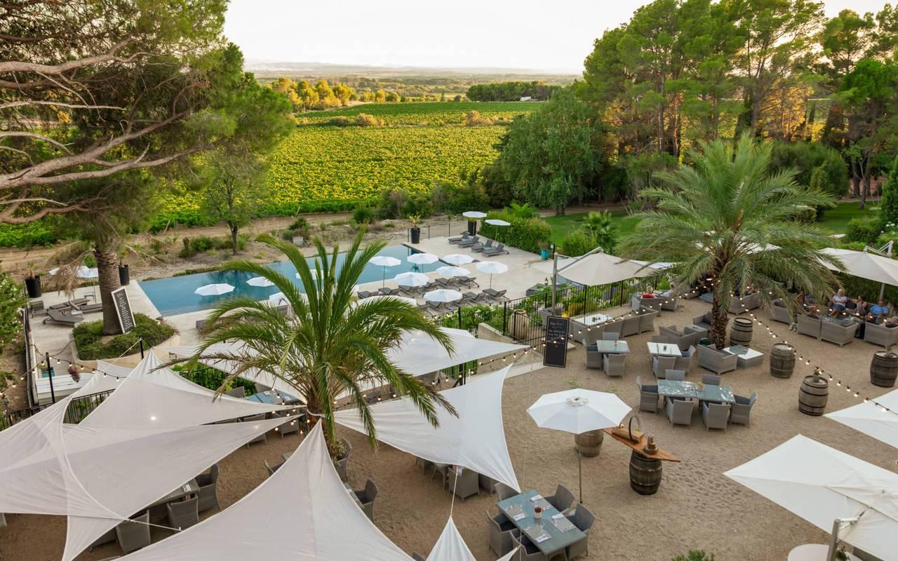 Vue aérienne de la terrasse, hôtel séminaire Montpellier, Domaine & Demeure Events.