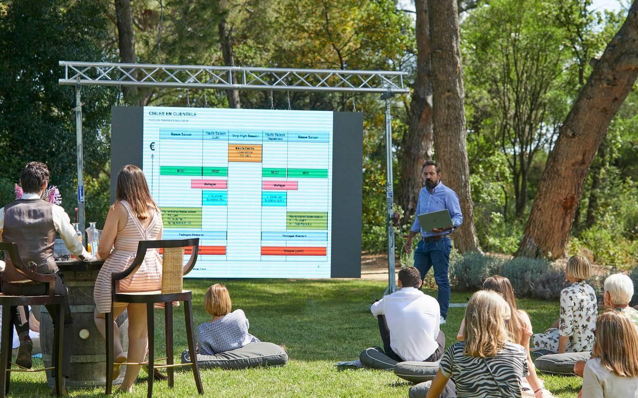 Séminaire dans le jardin, hôtel séminaire Toulouse, Domaine & Demeure Events.